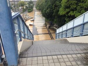 013歩道橋階段