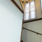 開放的な階段スペース