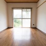1階、明るい洋室。(寝室)