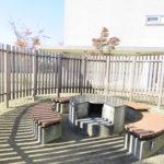 マンション敷地内にあるバーベキューガーデンはご家族、ご友人と楽しい時間を過ごすことができる場所です。